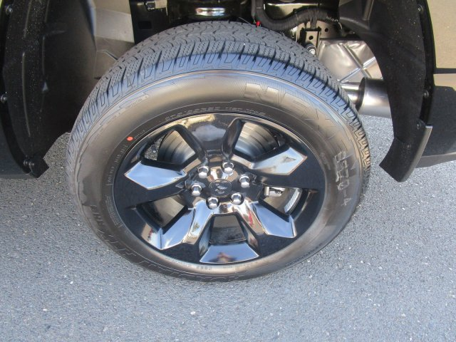2019 Ram 1500 Crew Cab 4x4,  Pickup #097085 - photo 8