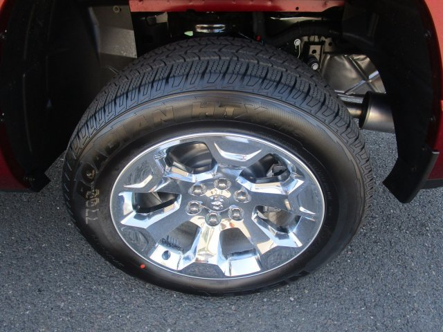2019 Ram 1500 Crew Cab 4x4,  Pickup #097086 - photo 5