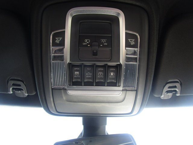 2019 Ram 1500 Crew Cab 4x4,  Pickup #097087 - photo 4