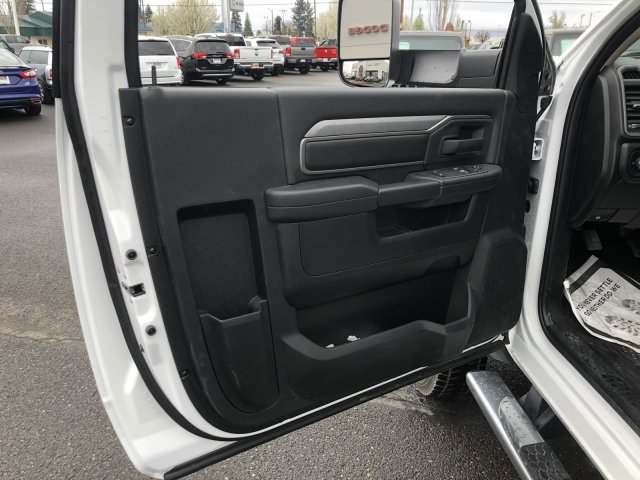 2020 Ram 5500 Regular Cab DRW 4x4, Knapheide KMT Mechanics Body #T0R175 - photo 32