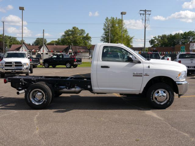 2017 Ram 3500 Regular Cab DRW 4x4 Cab Chassis #217146 - photo 3