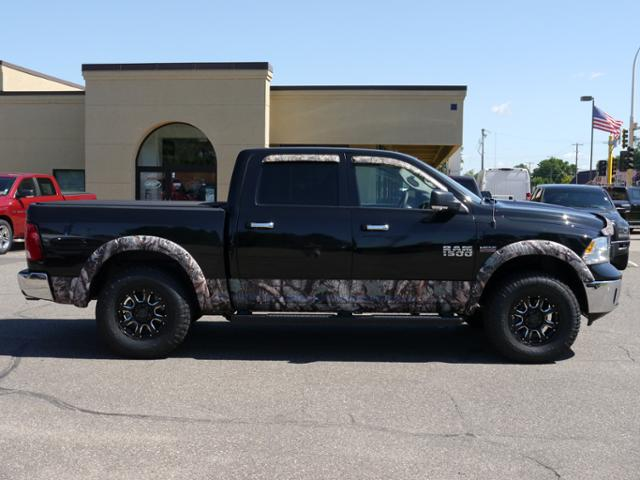 2017 Ram 1500 Crew Cab 4x4 Pickup #217162 - photo 3