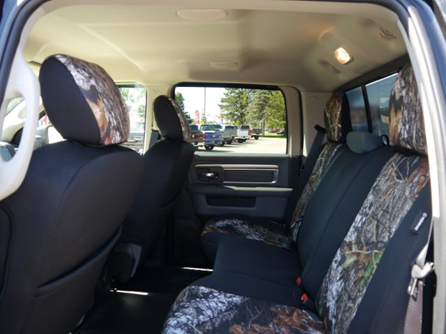 2017 Ram 1500 Crew Cab 4x4 Pickup #217162 - photo 5