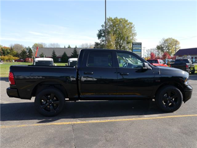 2018 Ram 1500 Crew Cab 4x4 Pickup #218030 - photo 3