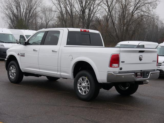 2018 Ram 3500 Crew Cab 4x4 Pickup #218033 - photo 2