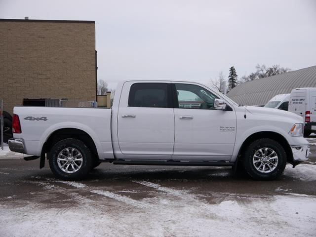 2018 Ram 1500 Crew Cab 4x4, Pickup #218057 - photo 3