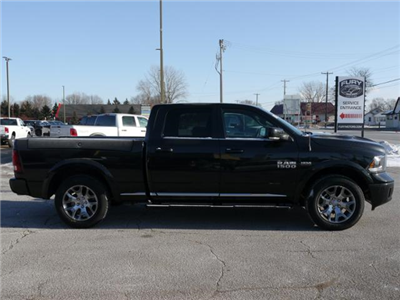2018 Ram 1500 Crew Cab 4x4 Pickup #218061 - photo 3