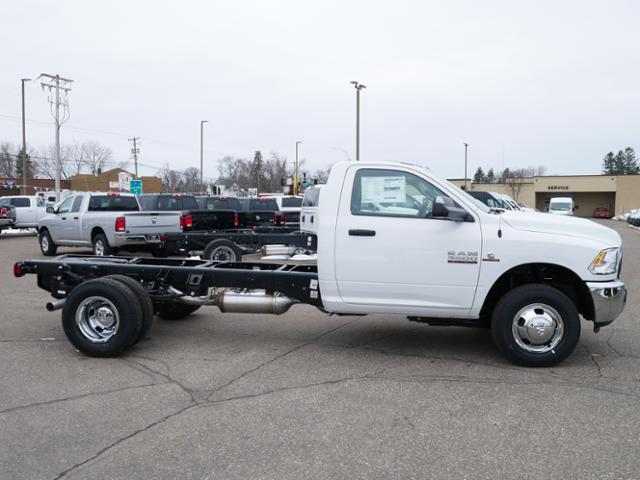 2018 Ram 3500 Regular Cab DRW 4x4, Cab Chassis #218175 - photo 3