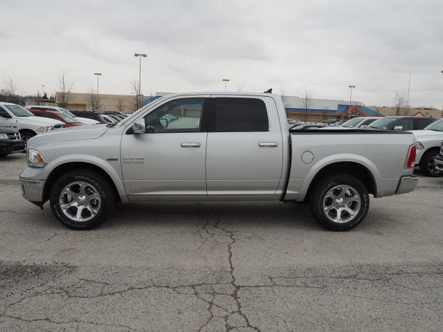 2018 Ram 1500 Crew Cab 4x4, Pickup #R85391 - photo 15
