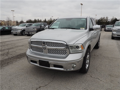 2018 Ram 1500 Crew Cab 4x4, Pickup #R85391 - photo 4