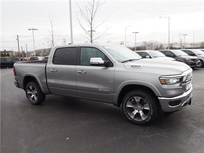 2019 Ram 1500 Crew Cab 4x4, Pickup #R85508 - photo 6