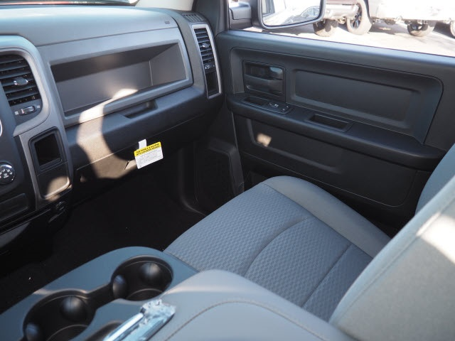 2019 Ram 1500 Crew Cab 4x4,  Pickup #R85825 - photo 15