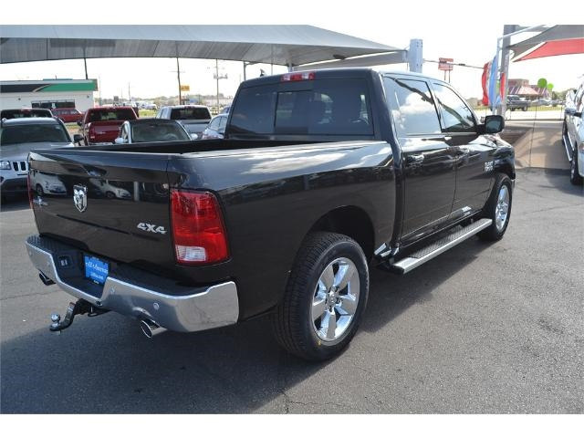 2017 Ram 1500 Crew Cab 4x4, Pickup #HS607988 - photo 2
