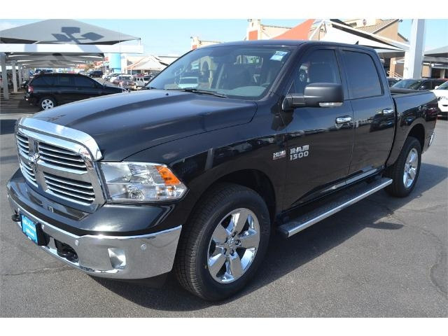 2017 Ram 1500 Crew Cab 4x4, Pickup #HS607988 - photo 4