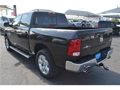 2017 Ram 1500 Crew Cab 4x4, Pickup #HS607988 - photo 3