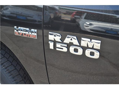 2017 Ram 1500 Crew Cab 4x4, Pickup #HS607988 - photo 5