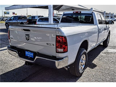 2018 Ram 3500 Crew Cab 4x4, Pickup #JG176866 - photo 11