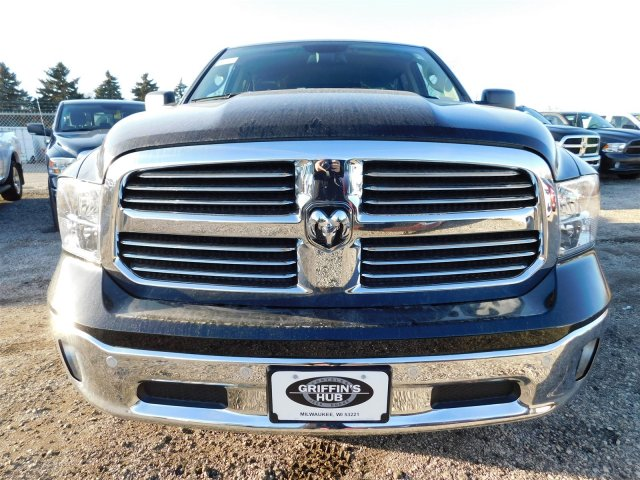 2017 Ram 1500 Crew Cab 4x4 Pickup #417603 - photo 2