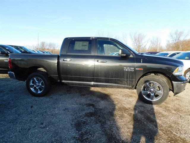 2017 Ram 1500 Crew Cab 4x4 Pickup #417603 - photo 7