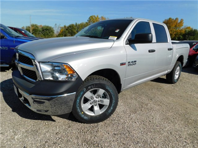 2018 Ram 1500 Crew Cab 4x4 Pickup #418026 - photo 4