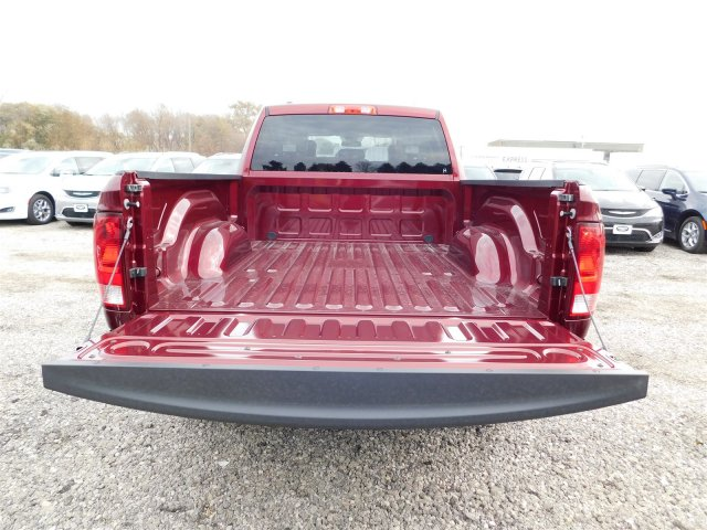 2018 Ram 1500 Quad Cab 4x4, Pickup #418058 - photo 6