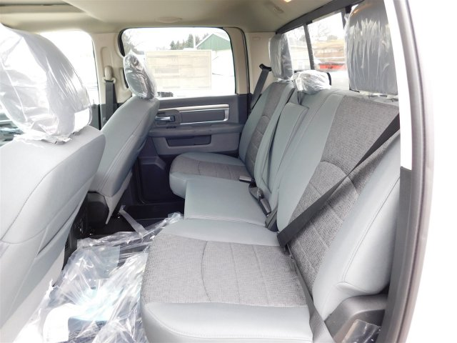 2018 Ram 1500 Crew Cab 4x4 Pickup #418059 - photo 10