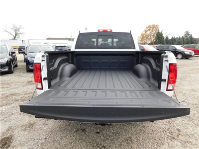 2018 Ram 1500 Crew Cab 4x4 Pickup #418059 - photo 6