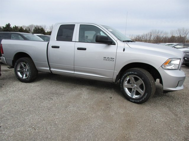 2018 Ram 1500 Crew Cab 4x4, Pickup #418068 - photo 5