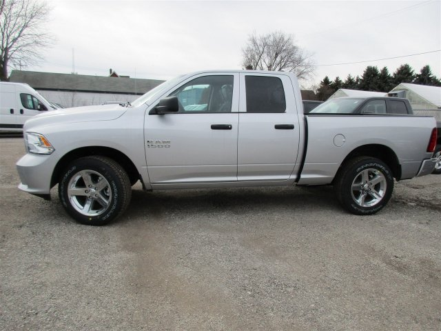 2018 Ram 1500 Crew Cab 4x4, Pickup #418068 - photo 6