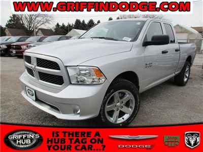 2018 Ram 1500 Crew Cab 4x4, Pickup #418068 - photo 1