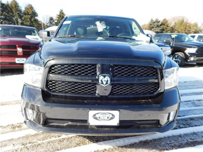 2018 Ram 1500 Quad Cab 4x4, Pickup #418082 - photo 3