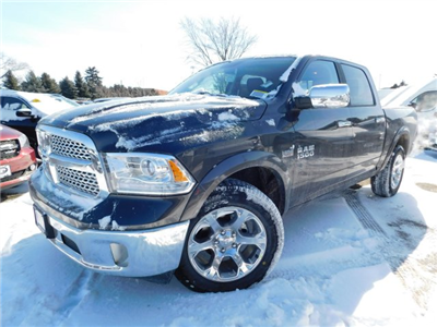 2018 Ram 1500 Crew Cab 4x4, Pickup #418235 - photo 4