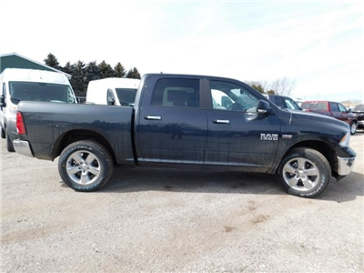 2018 Ram 1500 Crew Cab 4x4, Pickup #418289 - photo 6