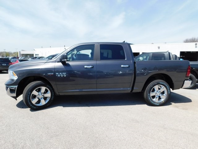 2018 Ram 1500 Crew Cab 4x4, Pickup #418337 - photo 5