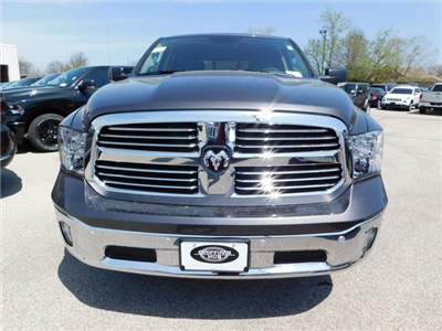 2018 Ram 1500 Crew Cab 4x4, Pickup #418337 - photo 4