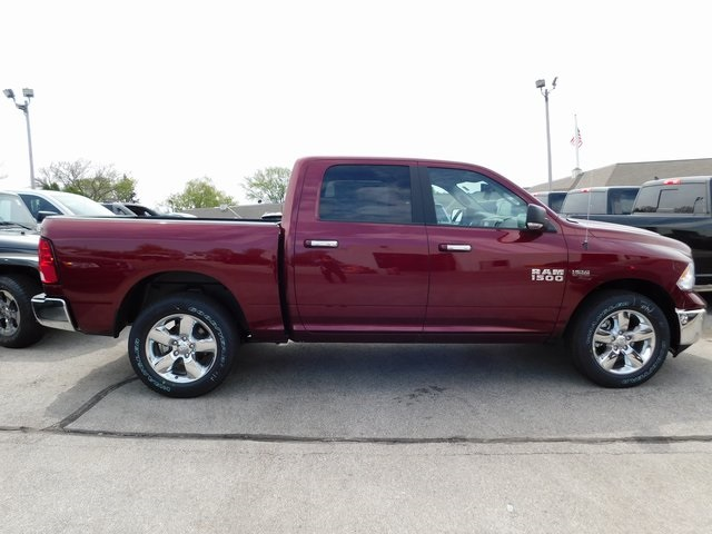 2018 Ram 1500 Crew Cab 4x4, Pickup #418341 - photo 6
