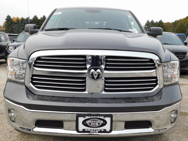2018 Ram 1500 Crew Cab 4x4,  Pickup #418492 - photo 3