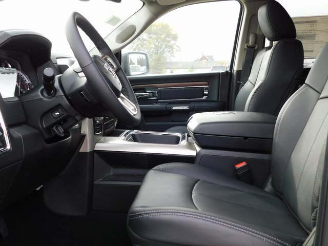 2018 Ram 1500 Crew Cab 4x4,  Pickup #418495 - photo 9