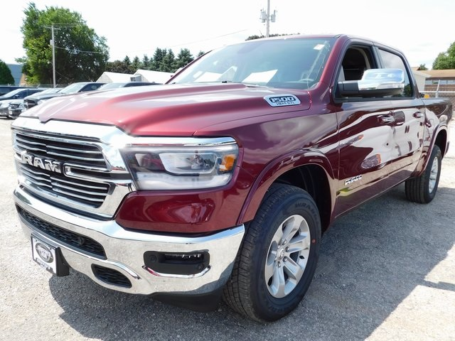 2019 Ram 1500 Crew Cab 4x4,  Pickup #419028 - photo 4