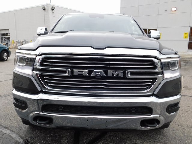 2019 Ram 1500 Crew Cab 4x4,  Pickup #419067 - photo 3