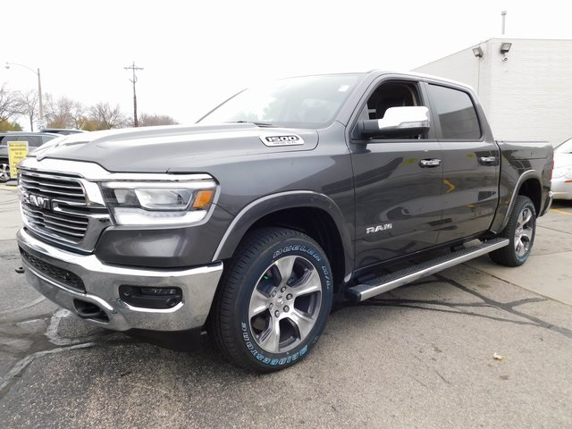 2019 Ram 1500 Crew Cab 4x4,  Pickup #419067 - photo 4