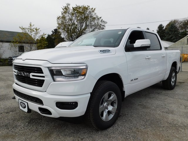2019 Ram 1500 Crew Cab 4x4,  Pickup #419068 - photo 4
