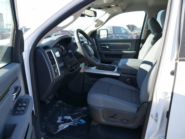 2018 Ram 1500 Crew Cab 4x4 Pickup #N28087 - photo 4