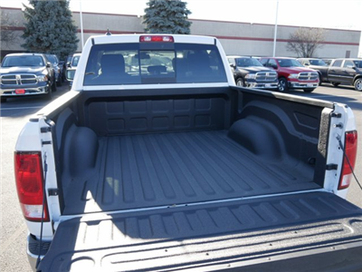 2018 Ram 1500 Crew Cab 4x4 Pickup #N28087 - photo 3
