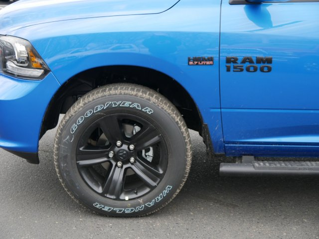 2018 Ram 1500 Crew Cab 4x4 Pickup #N28115 - photo 3