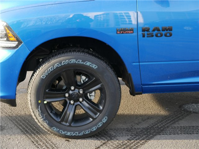 2018 Ram 1500 Crew Cab 4x4, Pickup #N28120 - photo 3