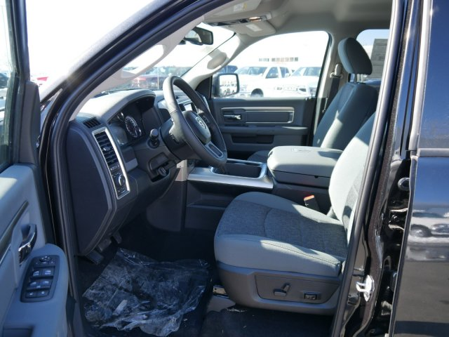 2018 Ram 1500 Crew Cab 4x4,  Pickup #N28362 - photo 3