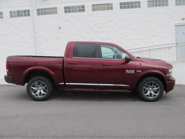 2018 Ram 1500 Crew Cab 4x4, Pickup #8D0161 - photo 3