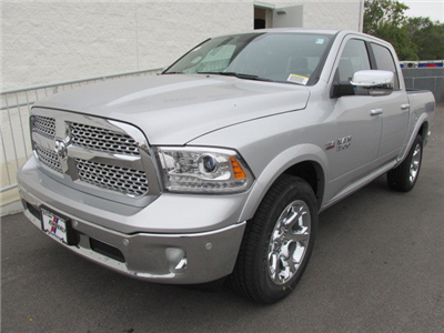2018 Ram 1500 Crew Cab 4x4 Pickup #8D0162 - photo 7