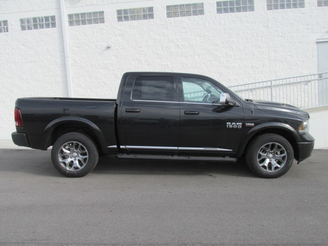 2018 Ram 1500 Crew Cab 4x4 Pickup #8D0205 - photo 3